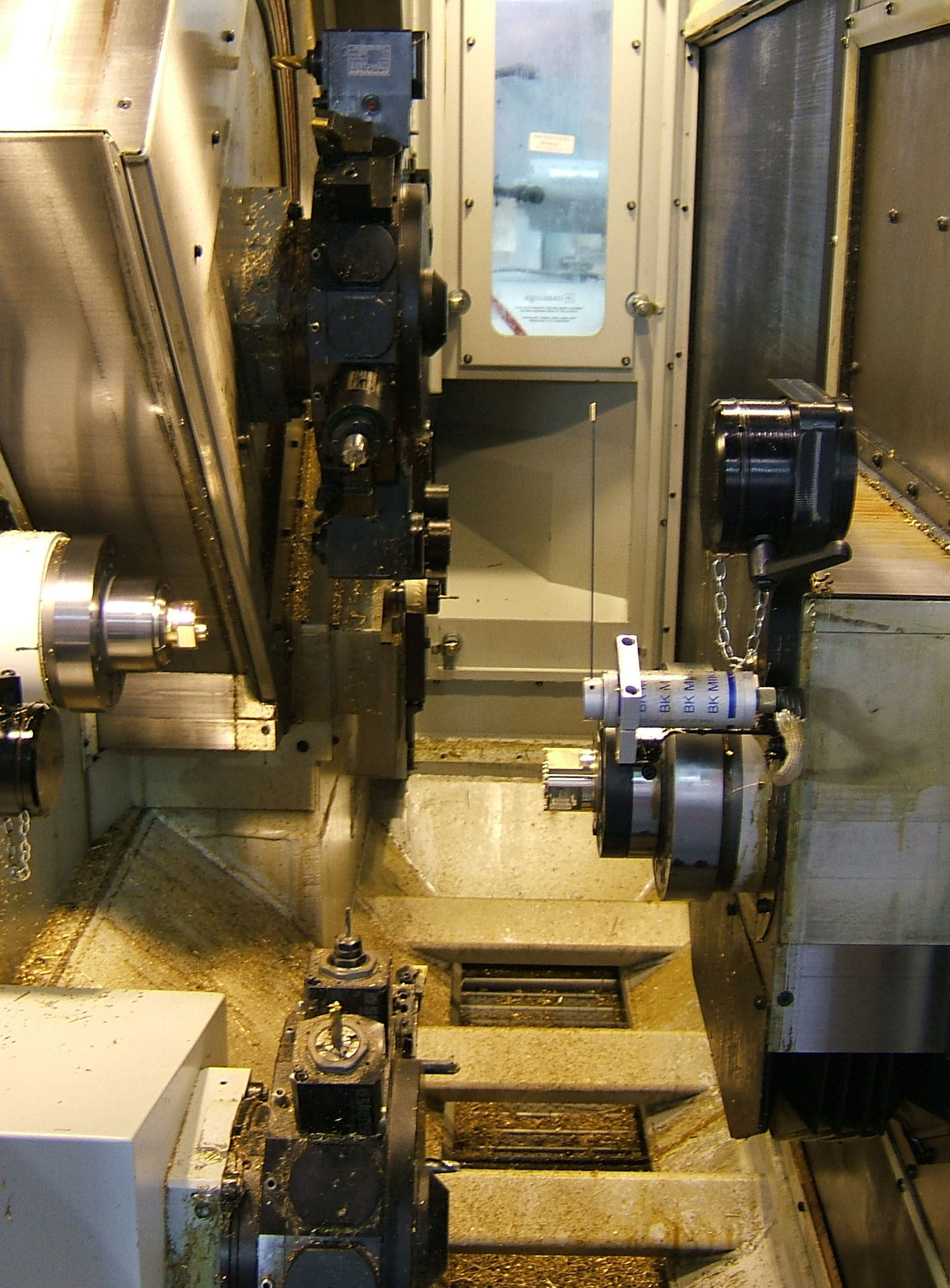 PCI in Enclosure Networked to 16 Fuji Lathes